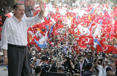 Yalçın Akdoğan son anket sonucunu açıkladı!
