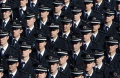 155 polis meslekten ihraç edildi!