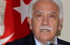 Perinçek CHP'li başkana rozet taktı