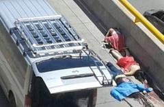 Üç manken sokak ortasında öldürüldü