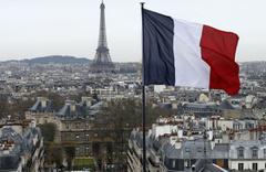 Fransa 23 ayda 20 camii kapattı