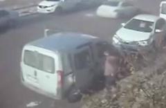 Hırsızlık zanlılarını güvenlik kamerası kayıtları ele verdi