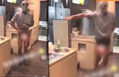 Tepsileri 'cinsel organına' sürdü! Restoranda şok görüntü