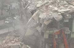 Bursa'da deprem gibi yıkılma anı kameralara yansıdı