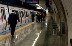 Yenikapı-Hacıosman hattında bir kişi metronun altında kaldı!
