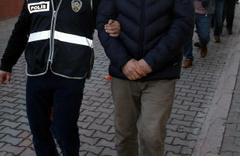 İzmir'de FETÖ operasyonu 1 şüpheli 3. kattan atladı