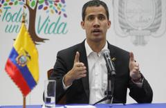 Guaido Venezuela'ya döndü! İşte ilk sözleri