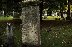 Ses gelen mezarı kazan polis, gömülen kişinin yaşadığını gördü