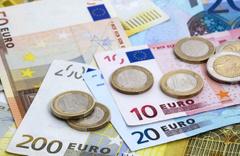 Euro şoklarda dolar karşısında 21 ayın dip seviyesini gördü