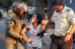 Venezuela'da yağma başladı! okullar tatil, devlet ile iş yerlerinde çalışma yok