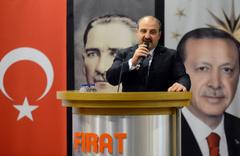 """Mustafa Varank: """"Yerel ile genel uyum içinde çalışmalı"""""""