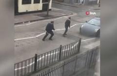 Londra'da cami önünde müslüman gruba ırkçı saldırı!