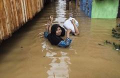 Endonezya'da büyük felaket! En az 50 kişi hayatını kaybetti