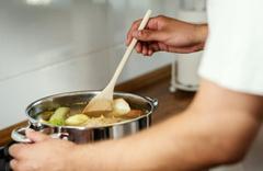 Bu yöntemleri kimse bilmiyor! Çorba pişirirken tahta kaşık kullanırsanız...