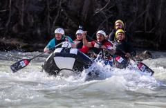Bakan Varank Munzur nehrinde: Onların 'giremez' dedikleri yerde rafting yapıyoruz