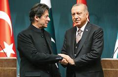 İmran Han: İslam dünyasında öne çıkan iki lider var, biri Erdoğan