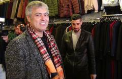 Cengiz Kurtoğlu kapı kapı dolaşıp AK Parti adayına destek istedi