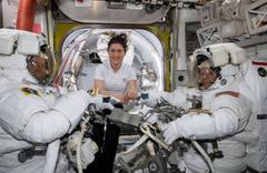 Kadın astronotlar uzay yürüyüşüne gidemeyecek! İşte nedeni
