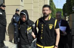 Adana'da yavuz hırsız ev sahibini rehin aldı