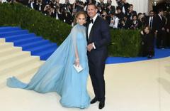Jennifer Lopez'in sevgilisi pes dedirtti! Cinsel organını çekip..