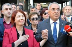 Handan Toprak Benli'den suç duyurusu CHP'li adayın eşi belediyeyi bastı