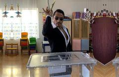 Ünlüler yerel seçimlerde oy ver paylaşımları ile gündem oldu!