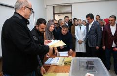 AK Parti İzmir Nihat Zeybekci oyunu kullandı