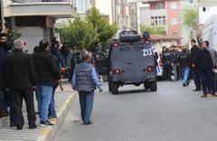 Sancaktepe'de ortalık savaş alanına döndü! Çok sayıda polis müdahale etti