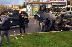 İki zırhlı araç işte böyle çarpıştı: 1 polis yaralı