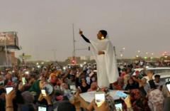 Sudan'da darbeyi yapan general görevi bıraktı