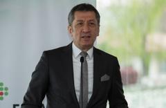 MilliEğitim Bakanı Ziya Selçuk uyardı: Gözden geçirmek zorundayız