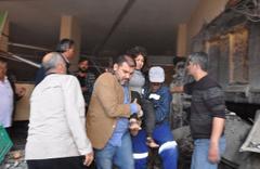 Kahramanmaraş'ta freni boşalan kamyon kuaföre girdi