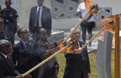 Juncker, Rwanda First Lady'sini yakacaktı