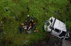 Ordu'da inşaat işçilerini taşıyan minibüs fındık bahçesine uçtu