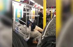 Bir anda bacağını kopardı! Metroyu birbirine katan anlar