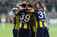 Fenerbahçeli Benzia halı sahaların yıldızı oldu