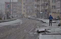 Kars'ta kara kış! Nisan ayında lapa lapa kar yağdı