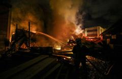 Başkentte pelet-talaş  deposunda yangın