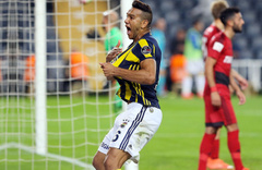 Fenerbahçe'de Josef de Souza sürprizi