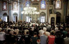 Berat Kandili namazı kaç rekat nasıl kılınır okunacak duası?