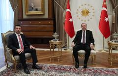 """""""Fırsatımız varsa kucaklaşırız"""" demişti! İmamoğlu, Cumhurbaşkanı Erdoğan'ı karşıladı"""