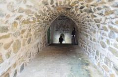 Mardin'de yağan yağmur duvarı yıkınca ortaya çıktı Tam 600 yıllık
