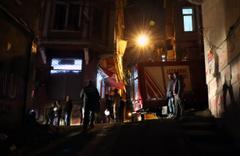 Tarlabaşı'nda yangın paniği mahalleyi sokağa döktü