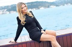Ivana Sert tesettüre girdi sosyal medyada tepkiler çığ gibi büyüdü