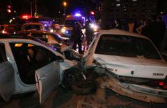 Adıyaman'da 5 aracın karıştığı zincirleme kazada 15 kişi yaralandı