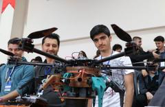 Öğrenciler kendi tasarladıkları dronlarla yarıştı