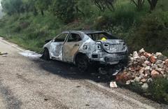 Hatay'da yanan otomobilde erkek cesedi bulundu