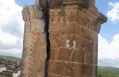 Kilisenin çan kulesine yıldırım düştü