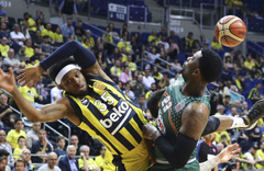 Banvit Fenerbahçe Beko'yu devirdi