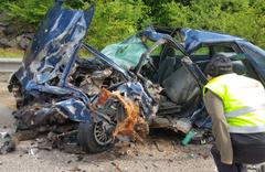 Düzce'de minibüsle otomobil çarpıştı 1 ölü 1 yaralı